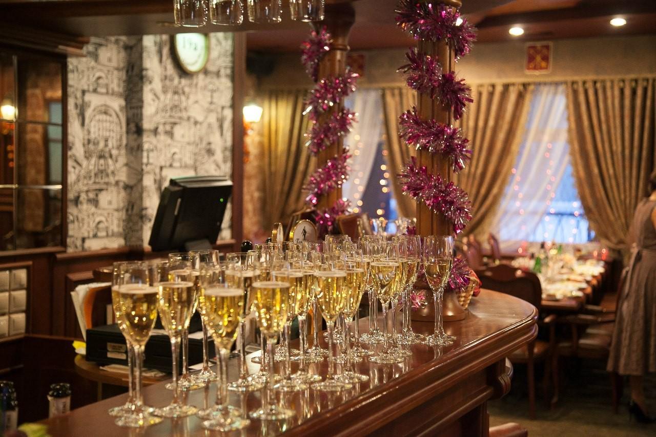 Заказать ресторан на новый год в спб