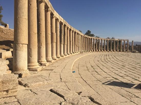 Если же вы ценитель исторических древностей, то познакомиться с культурой и историей Иордании лучше всего будет в Джераше, Мадабе и Пелле.