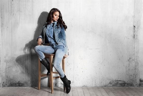 Подобранные по фигуре джинсы позволят себя чувствовать идеалом.