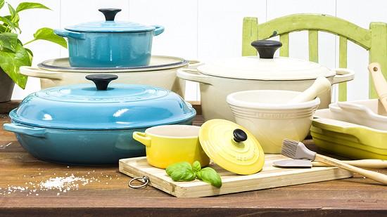 выбрав аксессуары и посуду для кухни в качестве подарка - вы никогда не прогадаете
