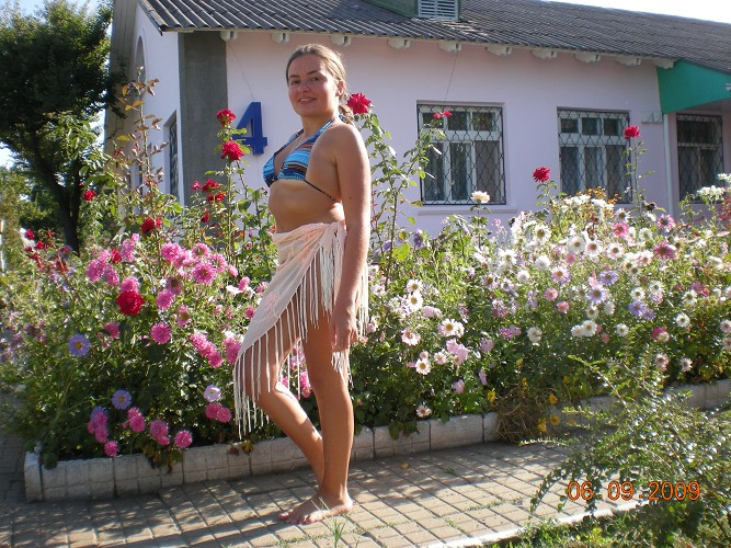 molodie-devushki-golie-zhenshini-molodoy
