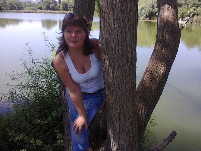 Серьёзный сайт знакомств SiteLove: анкеты женщин от 18 до 45 лет из Феодосии
